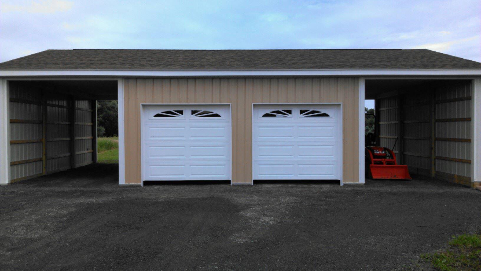 Charmant 8x7 CHI Overhead Doors W Sunburst Decorative Inserts Gasport NY